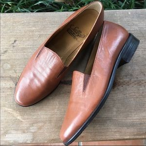 Handmade leather Selby loafers size 6.5! ❤️❤️❤️